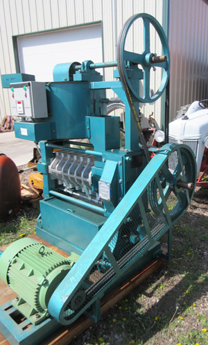 Oil_Press_Front